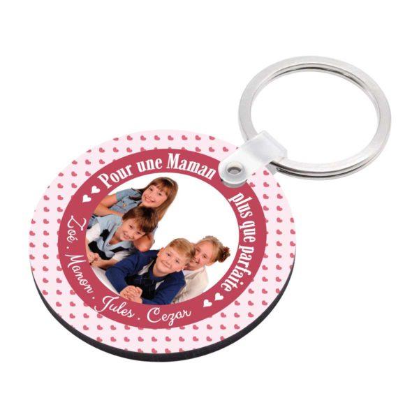 Cadeau maman. Porte clé à personnaliser avec prénoms maman parfaite